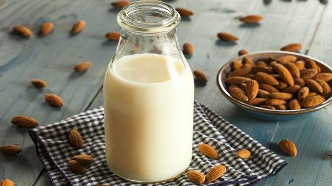bademovo-mleko-