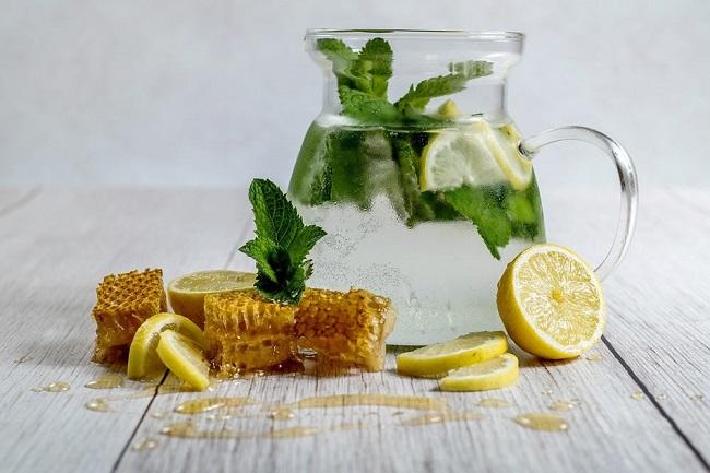 вода со лимон