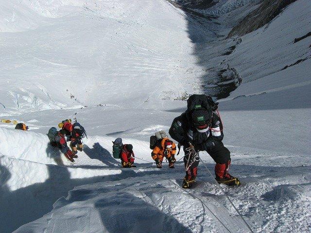 Mont-Everest-najvisokiot-vrv-na-svetot