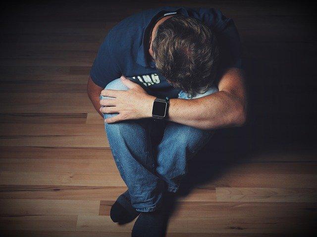 6-znaci-na-depresija-kaj-sebe