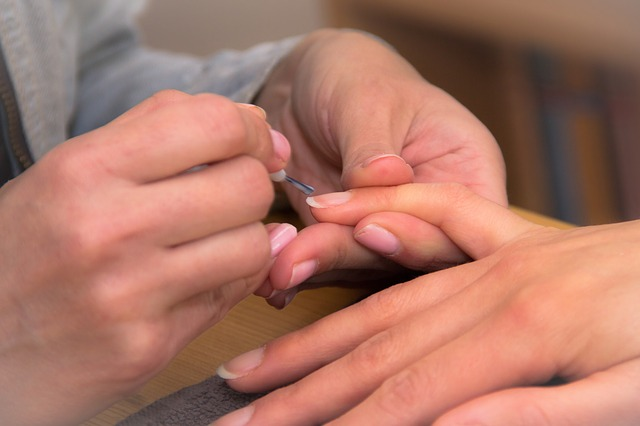 nokti-obnovuvanje